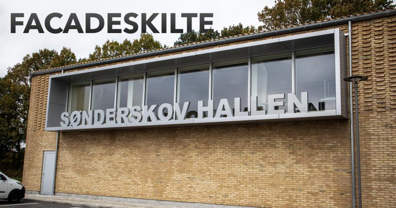 Billede af facadeskiltet hos Sønderskov hallen